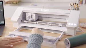 Silhouette Cameo pros and cons